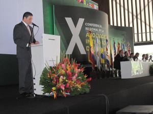 Columbia Minister of Defense Juan Carlos Pinzón Bueno speaks during the plenary.