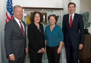 Acting Assistant Attorney General for OJP, Mary Lou Leary, and Bea Hanson, Acting Director of OVW, meet with IACP Executive Director Bart Johnson and Deputy Executive Director Jim McMahon.  (From left to right, Bart Johnson, Bea Hanson, Mary Lou Leary, Jim McMahon.  Jim Burch, Deputy Assistant Attorney General for OJP, is not shown.)