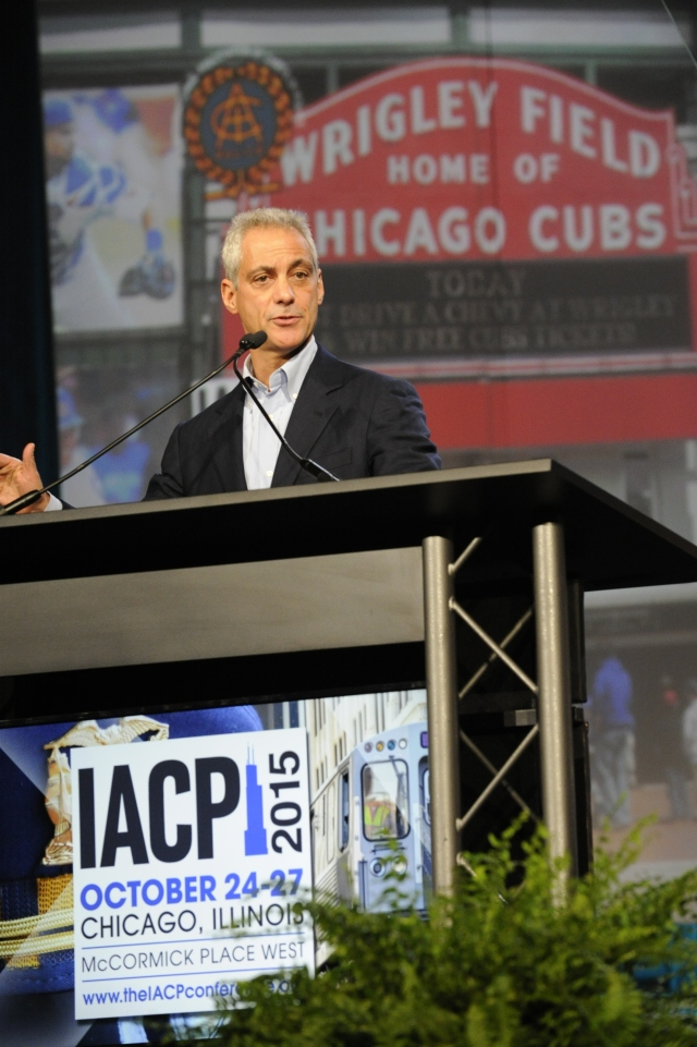 Chicago Mayor Rahm Emanuel welcomes attendees